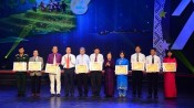 Vu A Dinh scholarships presented to excellent ethnic students