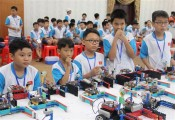 About 150 young students attend Vietnam Robot contest
