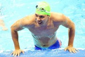 Swimmer Vo Thanh Tung claims third gold at Asian Para Games