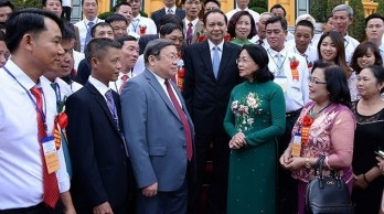 Acting President meets with delegation of exemplary Vietnamese farmers