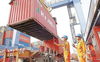 Transport Ministry increases seaport service prices from January 2019