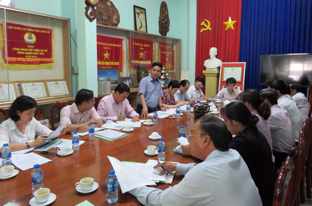 Deputy Director of HREMMA - Nguyen Manh Khoi asked Long An to check and encourage the number of beneficiaries borrowed under the program because there is only one more year left to finish (by the end of 2020) to