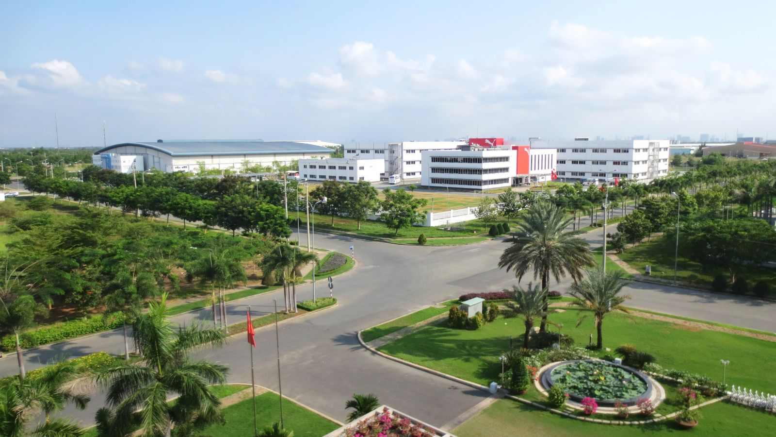 Long An proposed to the Government to consider and supplement some industrial zones. Later, these industrial zones will be integrated into the provincial and national plans (photo taken at Long Hau industrial zone, Can Giuoc )