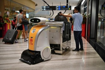 Hundreds of cleaning robots to work in Singapore