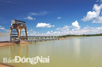 Dong Nai proposes 8 solar power projects on Tri An lake