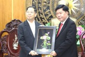 Thailand 's Consul General in Ho Chi Minh City pays a courtesy visit to Long An leaders