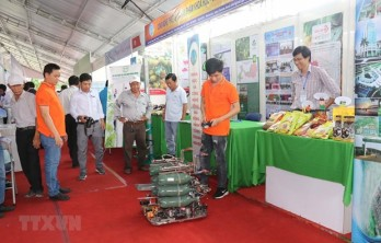 Technology fair, innovative startup festival opens in Can Tho