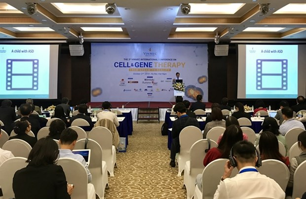 VRISG Director Nguyen Thanh Liem speaks at the third Vinmec International Conference on Cell and Gene Therapy held in Hanoi on October 31 (Photo: VNA)