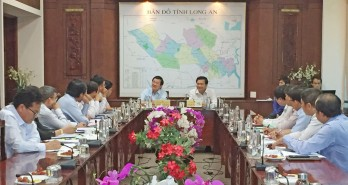 Former State President of Vietnam - Truong Tan Sang visits and works with Long An province leaders