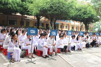 Long An: 3 students achieving central level title 'Students of 3 merits'