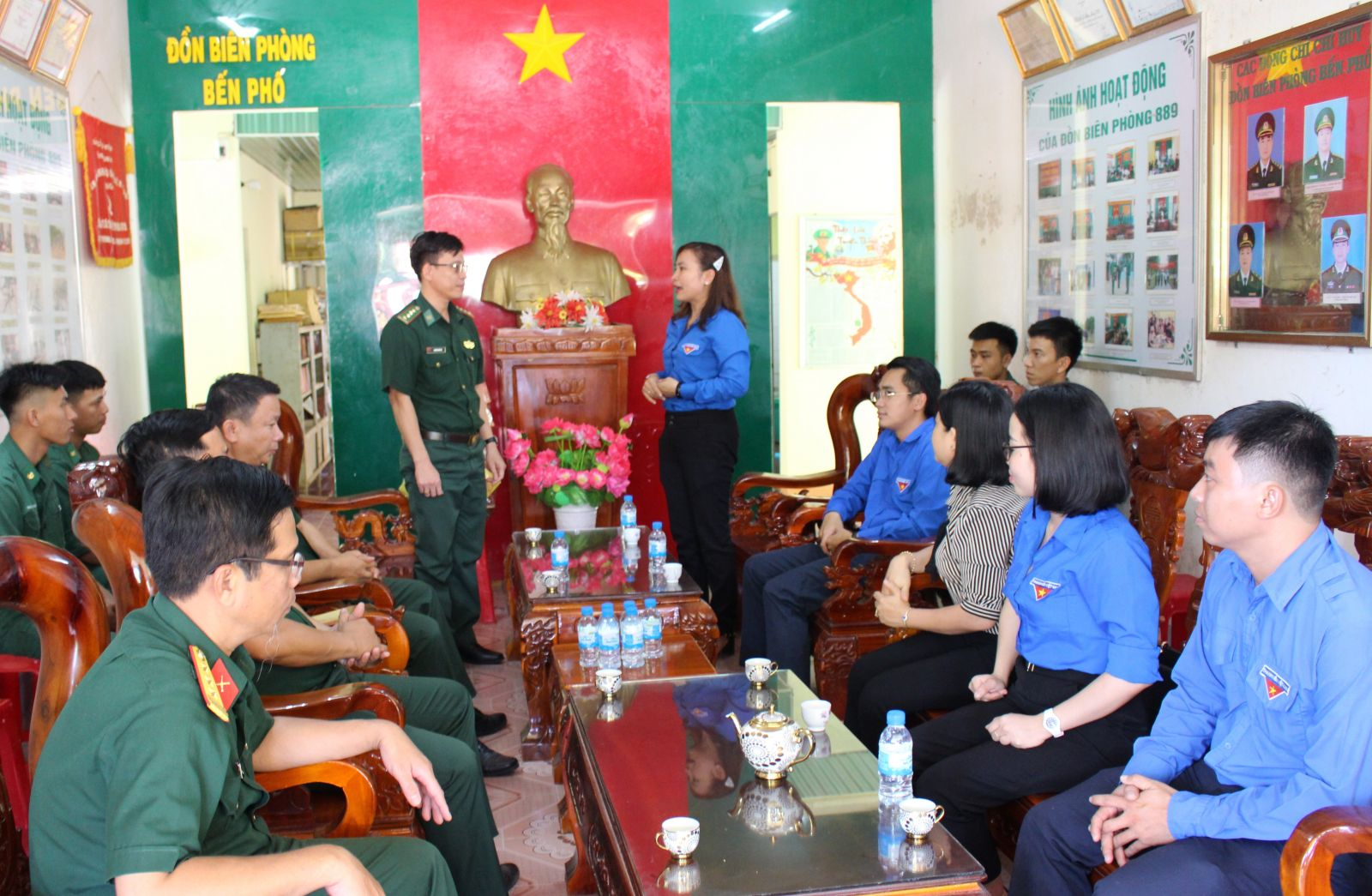 Ben Pho Border Guard Station is visited and given gifts