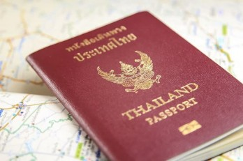 Thailand urges residents in China to fly back when they can