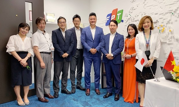 FPT and OutSystems senior executives met at Tokyo last August to discuss strategic partnership (Photo: FPT)