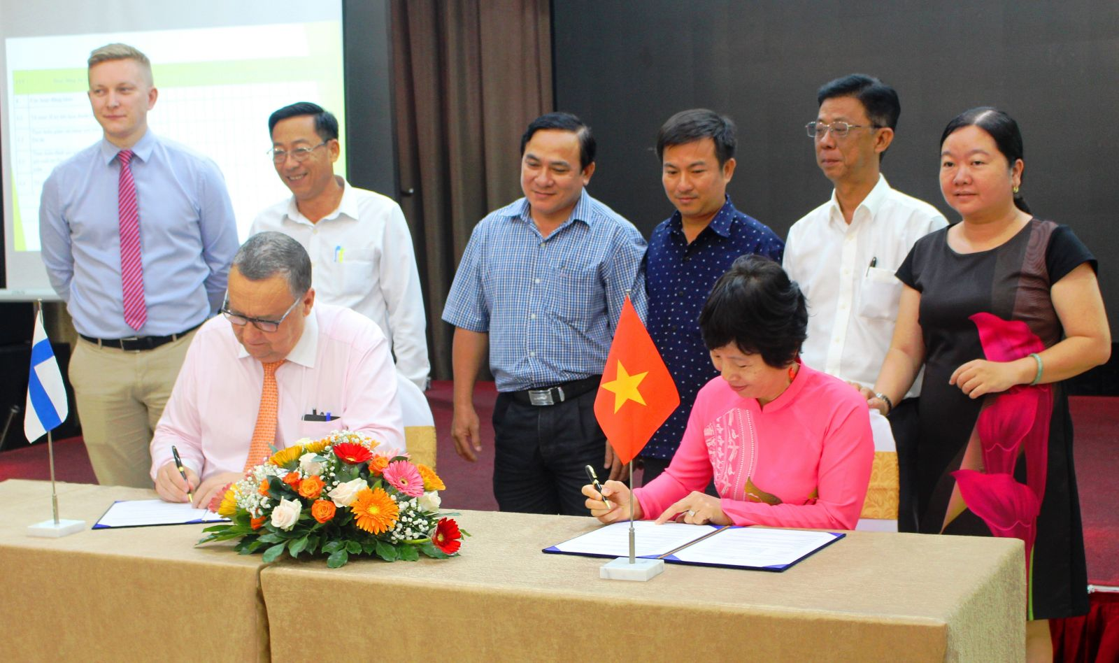 Signing of agreement to sponsor the project