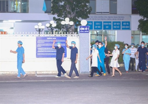 Lockdowned hospital in Da Nang reopens after two weeks