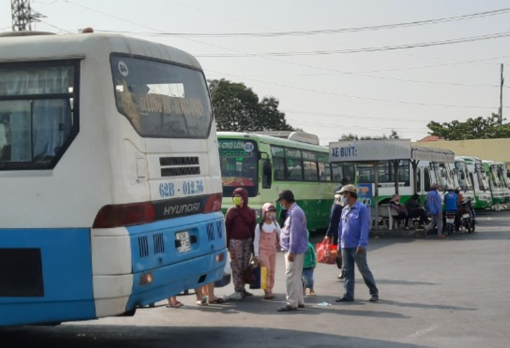 The prevention and fighting against Covid-19 epidemics are ensured in transport activities (Photo: D.Lam)