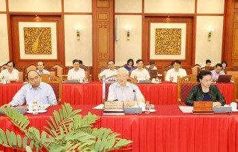 Hanoi needs to set example in all fields: top leader